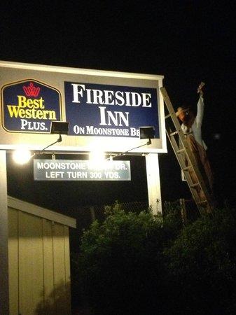 Fireside Inn on Moonstone Beach : Halloween Decoration at the hotel