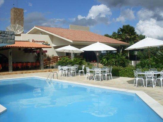 Hotel Serrano Gravata: Piscina bem cuidada