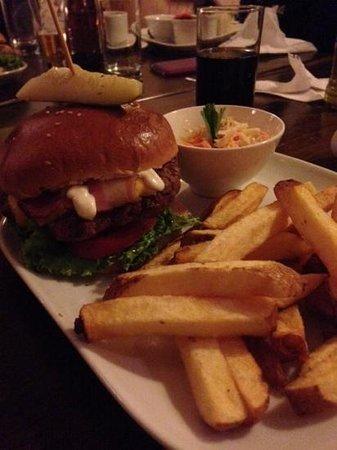Fuego, Burgers and Barbecue Restaurant: Hamburguesa de alpaca