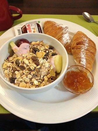 Leonardo Hotel Berlin: colazione dolce