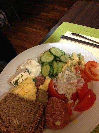 Leonardo Hotel Berlin: se avete coraggio potrete mangiare anche questo a colazione!