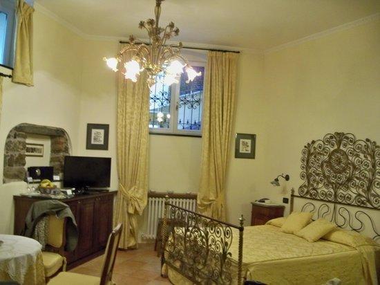 Il Giardino Incantato Bed and Breakfast : Golden Suite