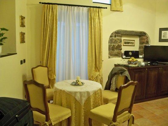 Il Giardino Incantato Bed and Breakfast : The Golden Suite