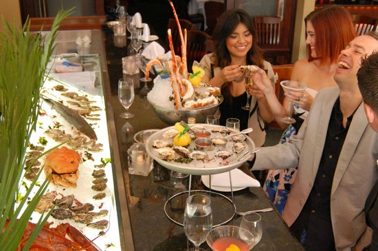 Donovan's Prime Seafood: Our Oyster Bar