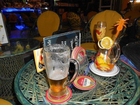 Pub Cleopatra: more drink !