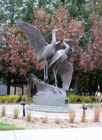 Leigh Yawkey Woodson Art Museum: statue in front near parking lot