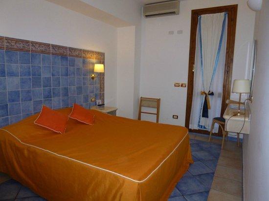 Hotel Punta Mesco : Room showing door to balcony.