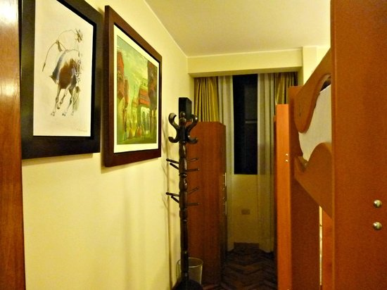 Lima Backpackers: 4-bed girls dorm with private bathroom (ensuite)