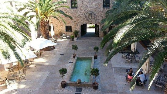 Parador de Jarandilla de la Vera: Inner Courtyard Parador Jarandilla de la Vera
