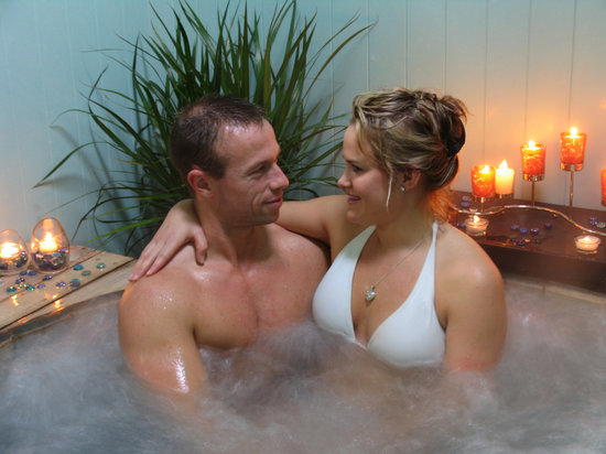 Te Aroha Mineral Spa: Treat someone special to a romance package