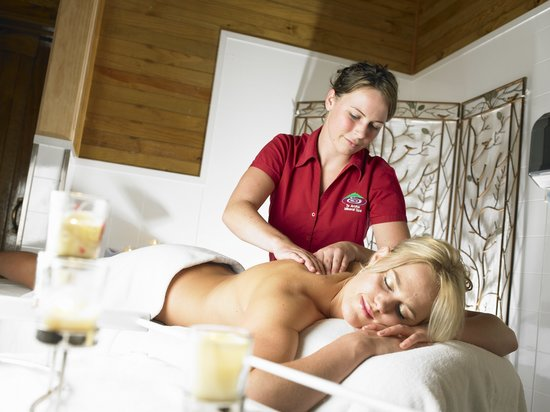 Te Aroha Mineral Spa: Relax with a massage or beauty treatment from our qualified beauty therapists