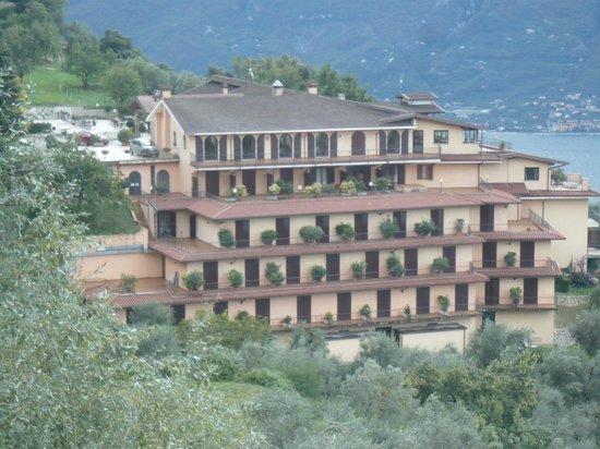 Park Hotel Zanzanu: Von der Straße aus aufgenommen