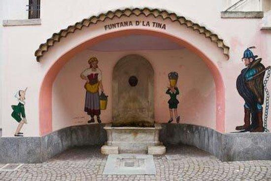 Fontana in via Umberto I...