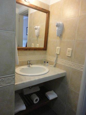 Ayres Hotel: Banheiro
