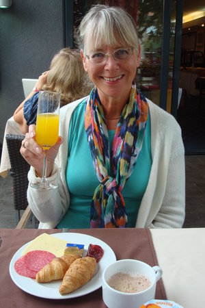 Art Hotel: Mimosa for breakfast