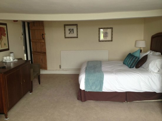 The Queens Head Inn: King Size and Single Bed Family Room 2