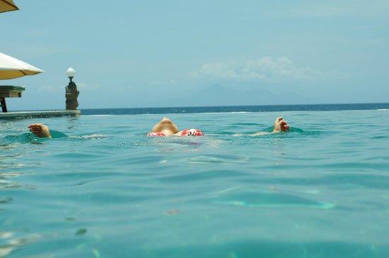 Puri Mas Boutique Resort & Spa: инфинити бассейн