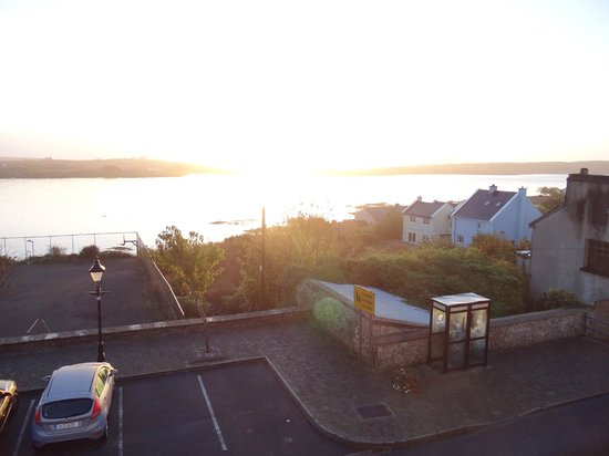 Island View House B&B: Blick in den Sonnenaufgang (direkt aus dem Bett)
