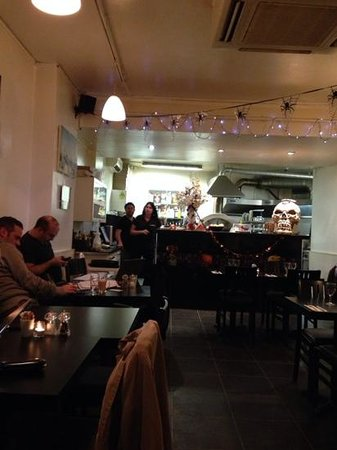 The Primrose Eatery: Fantastic Pizza and friendly staff!