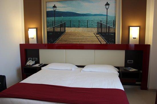 Kairos Garda Hotel: La nostra camera, vista lago!