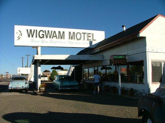 the wigwam motel picture of wigwam motel holbrook. Black Bedroom Furniture Sets. Home Design Ideas