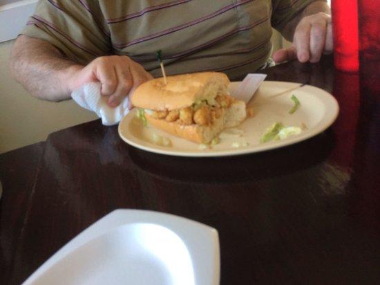 Starfish Restaurant: Great shrimp po boy