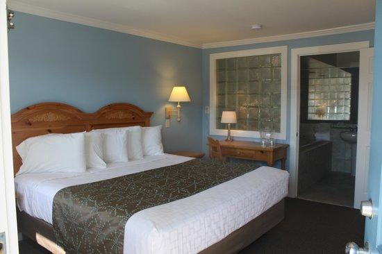 Surfside Motel: King Jacuzzi