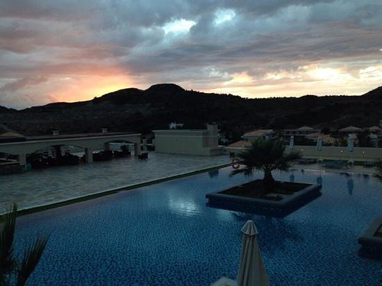 La Marquise Luxury Resort Complex: Roof top pool