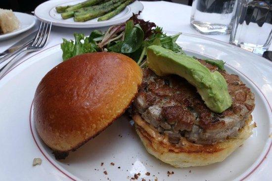 Bistro Chat Noir: Ottimo Hamburger di Tonno