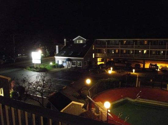 The Grand Beach Inn: View from our balcony