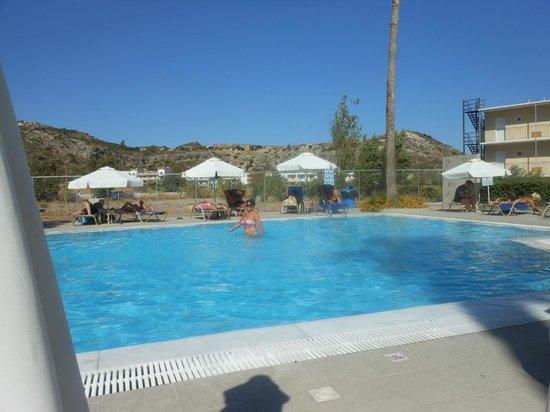 Sun Palace Hotel: Quiet pool
