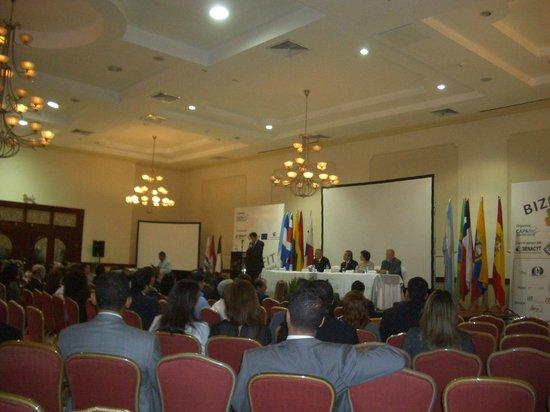 Hotel El Panama: salon de evento para apertura de feria