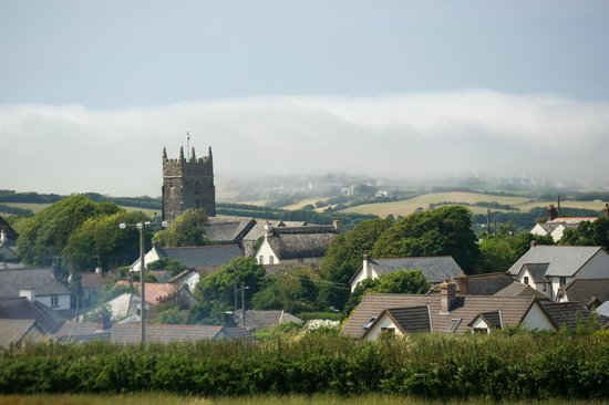 Wooldown Holiday Cottages: Sea fog rolling into Marhamchurch