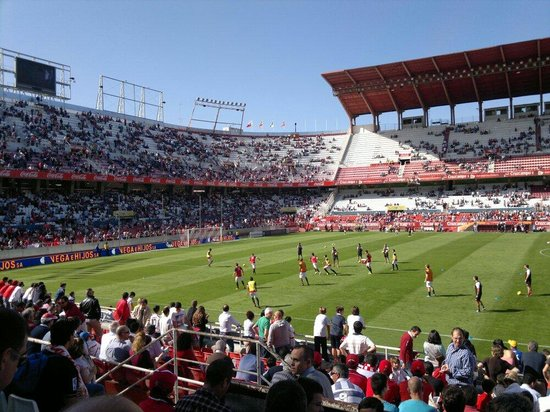 ‪Estadio Ramon Sanchez Pizjuan‬