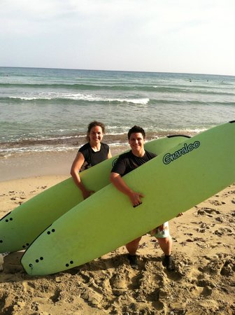 PauHana Surf School: Lori and I on our second day of lessons!