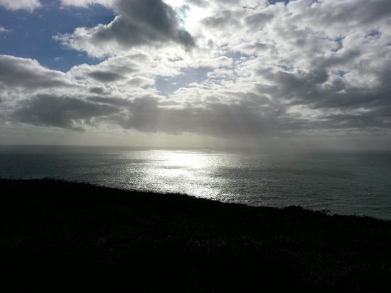 Bolberry, UK: Looking south from the cliffs outside the hotel