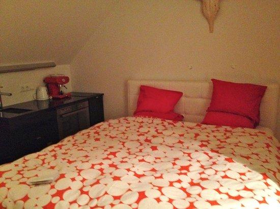 Apartment K: Se puede cocinar desde la cama! Esto es lo q llaman apartamento...