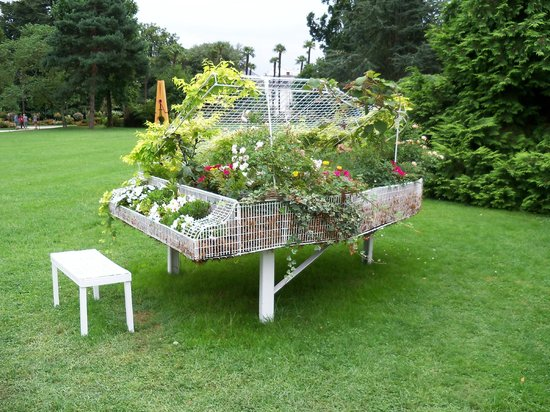 Jardin Massey : piano fleuri