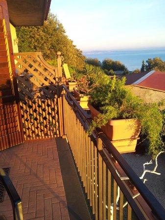 Villa Monica B&B : Private balcony with morning sunshine