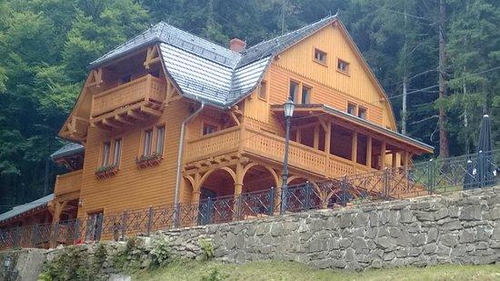 Alpejski Dwor: Jesteśmy dumni z nowego ogrodzenia :-)
