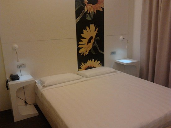 Hotel City Parma : Letto