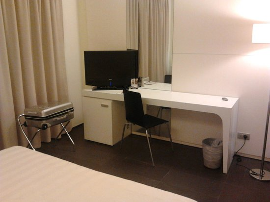 Hotel City Parma : Scrivania