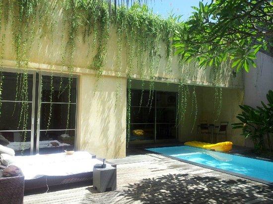 บาหลี ไอแลนด์ วิลล่าส์ แอนด์ สปา: Another sunny day at Vila 5