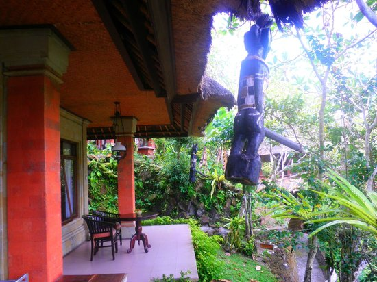 Hotel Tjampuhan & Spa : THE ROOM ASK ABOUT THIS IT HAS A HISTORY