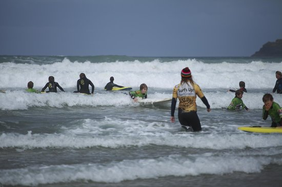 Polzeath Beach: Learning to surf
