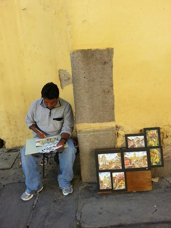 Hotel Casa Azul: Sidewalk artists 2 blocks away