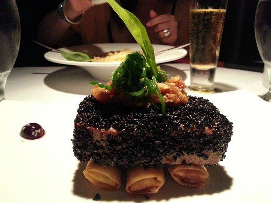Finch Bay Galapagos Hotel: Pavé de saumon au sésame