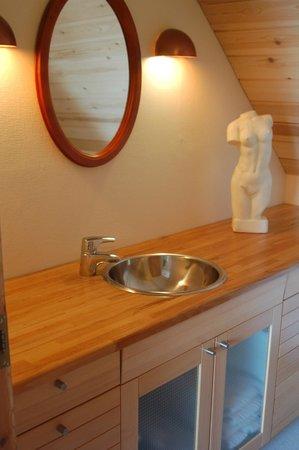 LILLEVANG APARTMENTs : Bathroom small apartment