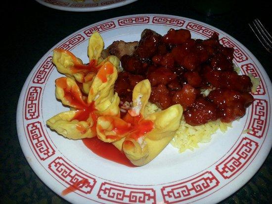 China Panda Buffet: Good tso and raggoons
