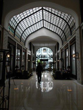 Four Seasons Hotel Gresham Palace : Fascinant !